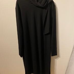 Smuk smuk kjole fra Malene Birger  Nypris 1699 - sælges for 500 pp