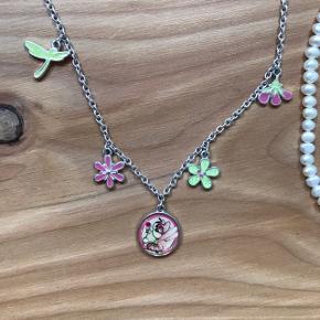 en perlehalskæde og en diddl halskæde  skriv inden køb