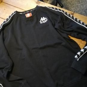 Sweatshirt, Kappa, str. XL, sort , God men brugt  Fejler absolut intet - ligger blot og fylder i skabet  Lækker kvalitet  Nypris 499,00
