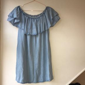 Zara Premium Denim Collection. Perfect summer dress with pockets!