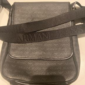 Armani skuldertaske