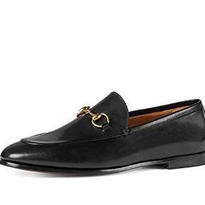 Super smukke og elegante Gucci loafers. Brugt let og fremstår rigtig fint.   Str. 35,5 men passer en alm str. 36 (jeg er normalt 36) og de sidder helt perfekt.   Dustbag og kvittering medfølger.