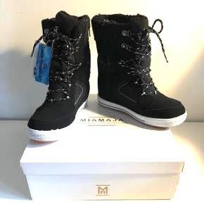 Varme vinterstøvler fra Skoringen mærket Miamaja stadig med prismærke  Købt for store ny pris 800kr Kopi af bon medfølger