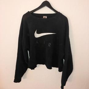 Vintage nike sweatshirt..  Prisen er esklusiv fragt og jeg sender KUN.