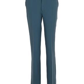 Neo noir cassie f pants i str xs. sælges, de er brugte og har tre små hvide pletter, som ikke kan fjernes. 💛 Man ligger ikke mærke til bukserne, men sælges derfor billigt💛