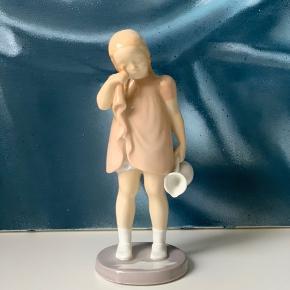 """2. Sortering figur 2246 """"Ikke græde over spildt mælk"""""""