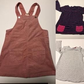 Lyserød spencer kjole i fløjl brugt få gangeBlå bomulds kjole med pink striber og lommer. GMB Hvid bomuldskjole med røde prikker og med for. Har små flæser ved ærmerne og strømpebukser til. Egnet som juletøj. Str.86-92  11kr/ stk