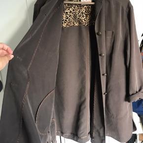 Vintage oversize skjorte købt i Berlin. Fejler intet. Byd 🌸🌸