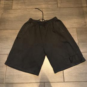 Karl Kani shorts