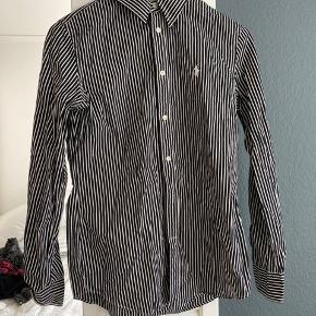 Nesten som ny. Deilig fin skjorte. #sundaysellout