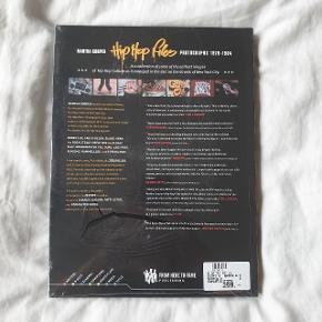 Martha Cooper Hip Hop Files bog. Stadig i emballage. Nypris 299 kr.