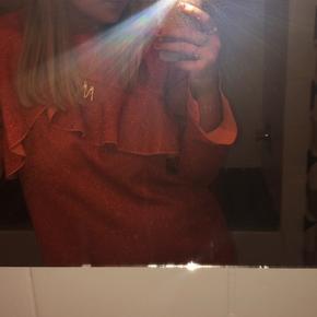 Smuk orange glimmer kjole fra Hofmann Copenhagen. Skriv for flere billeder :-)  Og BYD