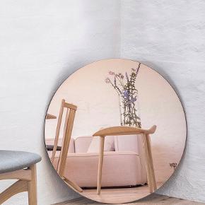 House Doctor rose gold spejl 50 cm. Helt nyt og ubrugt. Ligger stadig i kasse