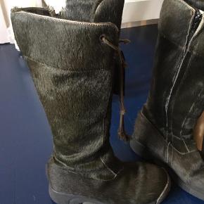Varetype: Vinterstøvler Farve: Mørkegrøn  Meget god stand