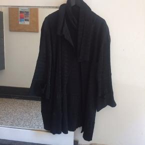 Ivan grundahl jakke