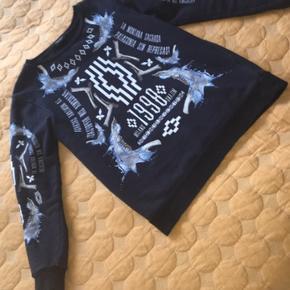 Jeg sælger denne sindsyge Marcelo Burlon sweatshirt i vanvittig cond! så god som ny. Størrelse: Small  Mp 650 Bin 800  Byd! :-) Fitter 167-182