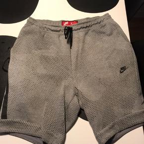 Fede Nike shorts. Har aldrig brugt dem. Fik dem som gave, men de var desværre ikke min smag