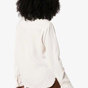 Smuk skjorte fra Isabel Marant, er fra kollektionen aw19 som er i butikkerne nu her. Både mærke, silkepapir og stofnet medfølger.  Respekter venligst at jeg ikke bytter og køber betaler porto samt gebyr ved tspay (både sælger og købers).