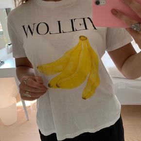 Sælger denne Ganni trøje str L, men svarende S/M