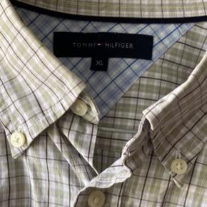 Super lækker skjorte. Fejler intet.
