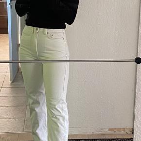 Populære ROWE jeans fra Weekday. 27/30, aldrig brugt🤍🤍🤍🤍