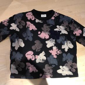 Varetype: Bluse Farve: Multi  Lækker sweatshirt fra Wood Wood med blomsterprint