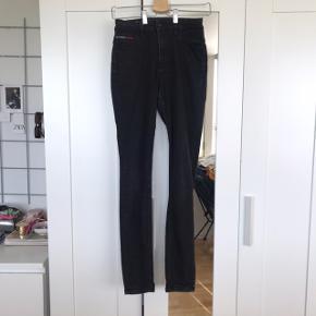 Sorte Tommy Hilfiger jeans - STR 27