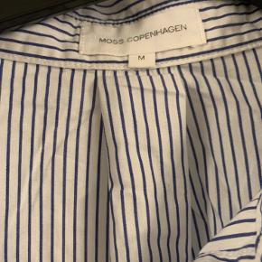 Stribet skjorte fra Moss Copenhagen