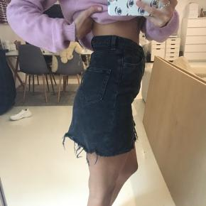 Super lækker nederdel i god kvalitet, får den desværre ikke brugt