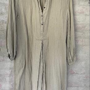 Rabens Saloner kjole