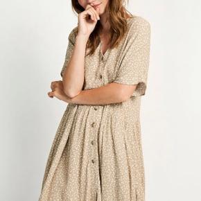 Sælger denne dejlige oversized kjole fra Envii.