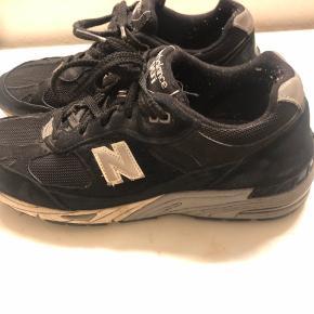 New balance 991. Skoene er brugt 2-3 gange og er stortest som ny. Prisen for ny var 1500kr Køber betaler fragt