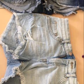 Cowboy shorts i 3 forskellige farver  Ingen af dem er blevet brugt.   Str. small   Kan hentes på Frederiksberg :-)