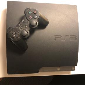 PlayStation 3  Er fabriksgenstartet  Medfølger kontroller, HDMI-stik og oplader