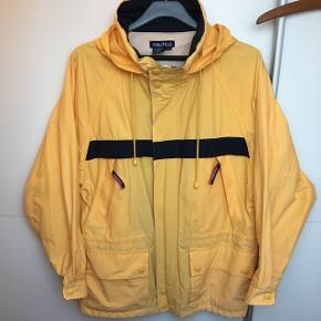 Super fed vintage 90'er nautica jakke, det er en str. L men fitter xl. Fin stand
