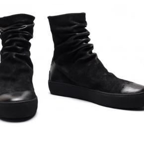 Sælger disse fede og unikke støvler fra det populære danske modemærke, The last conspiracy. Byd!