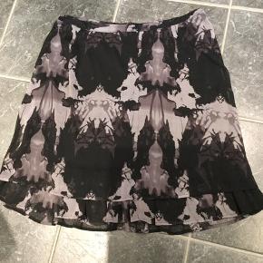 Flot nederdel  Livsmål 2x50 Længde 60