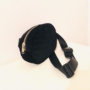 Lækker H&M bælte taske ❤️   100% polyester    20-A