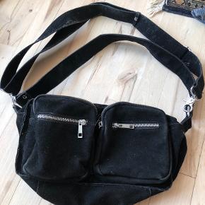 Noella bæltetaske