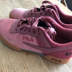 Liam Hodges x Fila sneakers, lyserøde. Gået med én gang. 10/10. Str. 41.