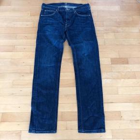 Lee jeans str 31/32. Livvidde 88cm og indvendig benlængde 83 cm