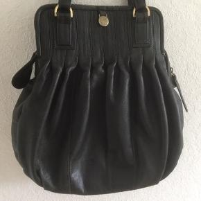 Vintage. Supersmart flot Adax taske. For og lynlåse intakt og OK. H:35. B:38