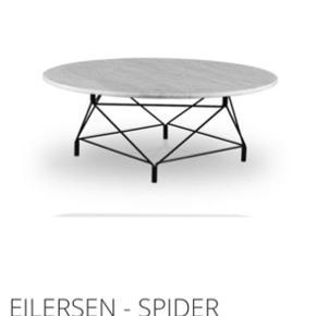 Eilersen spider sofabord i Chrome/ sølvfarvet ben med hvid marmorplade.   Brugt i en kort periode, tager i mod bud!  Skriv for billeder ved interesse.   Marmorpladen er 80cm i diameter  Højde på ben 43 cm
