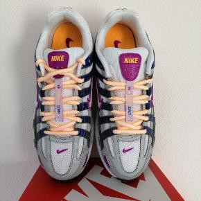 Nike P-6000  Kommer nye i boksen, aldrig brugt  Størrelse 40 (25.5 cm)  Prisen er til forhandling.