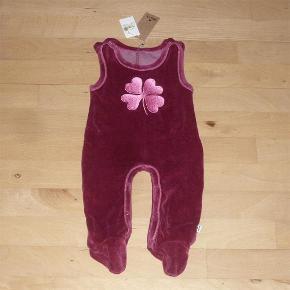 91e76346472 Brand: Holly's / Hollys Varetype: Velour heldragt / sparkedragt / Jumpsuit  Farve: Blommefarvet