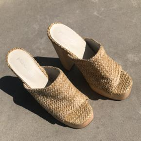 Jeffrey Campbell sandaler - købt sidste år og aldrig brugt, str 38. Nypris 1300kr  Sender på købers regning og bytter ikke 🌸