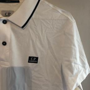 Super lækker CP Company polo!  Cond 9 Størrelse L, Fit 185! 💙💙💙💙