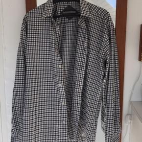 Skjorten er fra Citta Di Milano og den er lavet af 60% bomuld og 40% PES.  #30dayssellout
