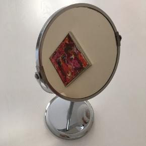 Flot 2 sidet spejl til tæt på og normalt.