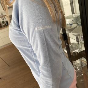Columbia sweater